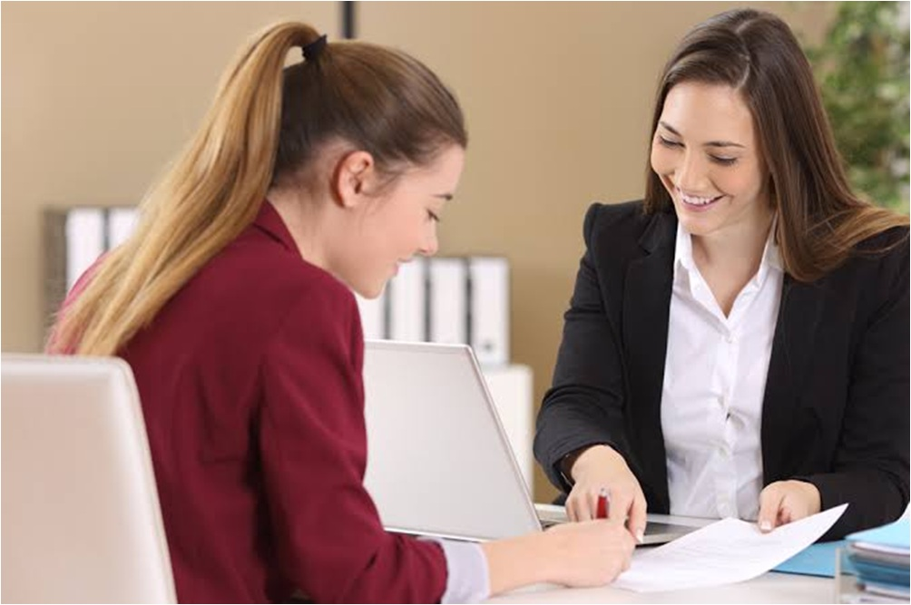 Reasons Why Companies Hire Business Lawyers