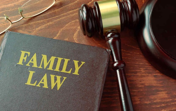 Get Help with Divorce from a Family Lawyer