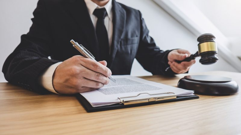 What Avoid When Hiring a Criminal Defense Attorney