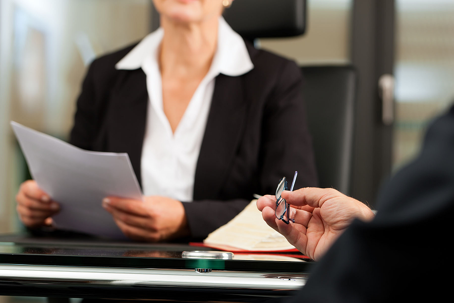 These are the Most Common Signs You Should Consider Changing Lawyers
