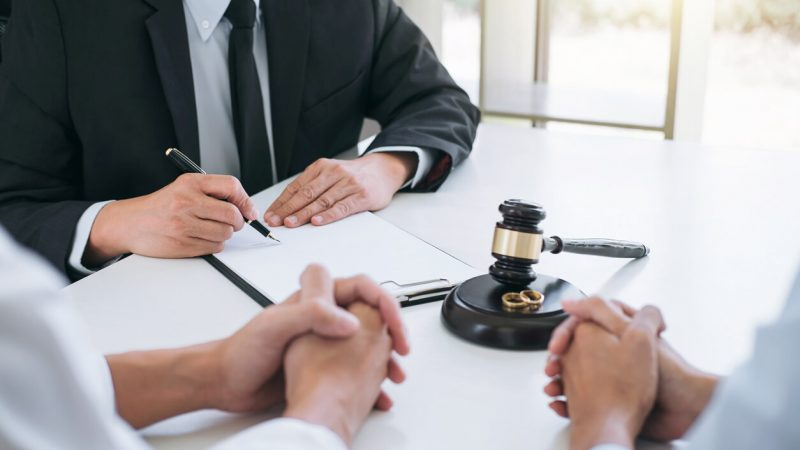 Divorce Lawyer: Everything You Need to Know